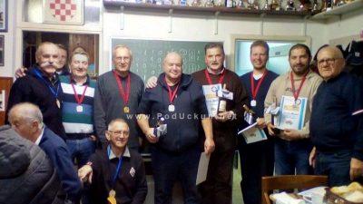 FOTO Wilke Miljenko  i  Medica  Radoslav osvojili  'Novogodišnji  turnir  u  briškuli i trešeti' ŠRK-a Jadran @ Opatija