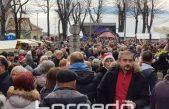 FOTO: Rijeka ljudi osvojila Kastav – Tisuće nazdravile godini na izmaku uz Zadnje polne na 365 metara