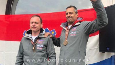 FOTO/VIDEO Upriličen doček Cro Dakar tima – Daniel Šaškin i Saša Bitterman s medaljama stigli u Poreč
