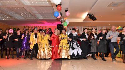 FOTO/VIDEO Paški karneval ispunio restoran Kvarner do posljednjeg mjesta @ Lovran