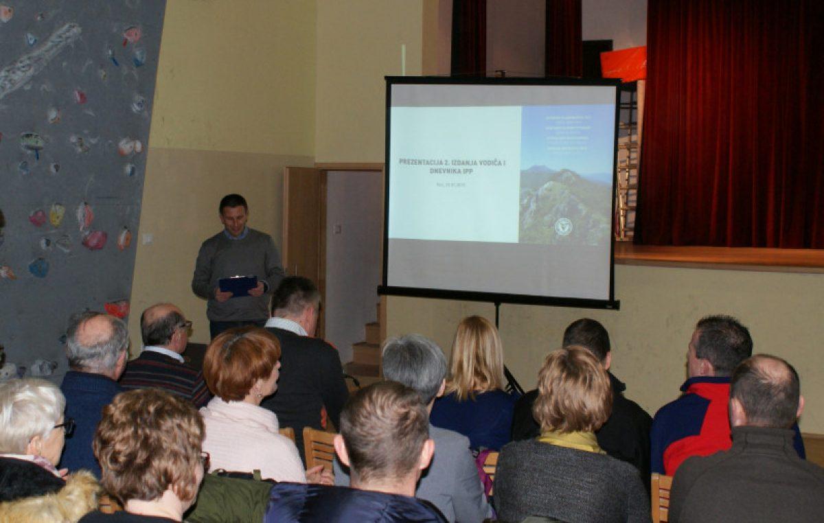 Predstavljen vodič, dnevnik i zemljovid 'Istarski planinarski put'