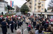 FOTO Promenadnim koncertom, šampanjcem i rezanjem torte Lovranci ispratili Staru godinu