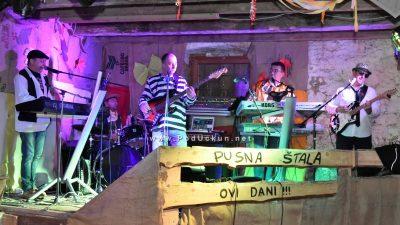 Pusni tanci za ljubitelje stare užance – Štala u Permanima sinoć otvorila svoja vrata