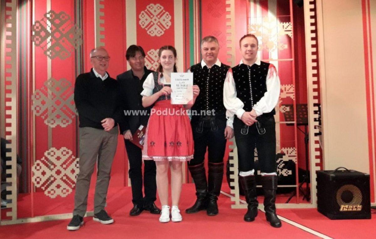 VIDEO Ema Sušanj iz Mučića osvojila zlatnu medalju na 13. Međunarodnom natjecanju u harmonici za nagradu Avsenik