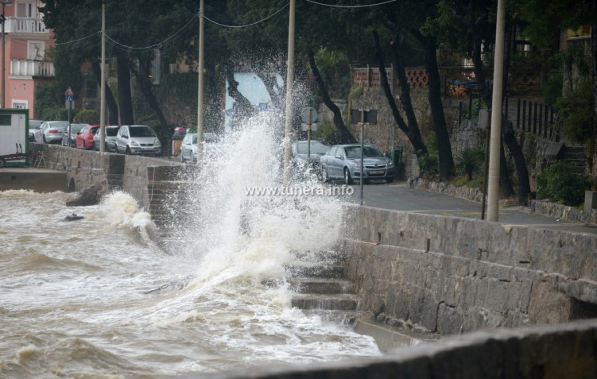 VIDEO Obilna kiša i jako jugo obilježilo jučerašnji izrazito topao dan @ Opatija