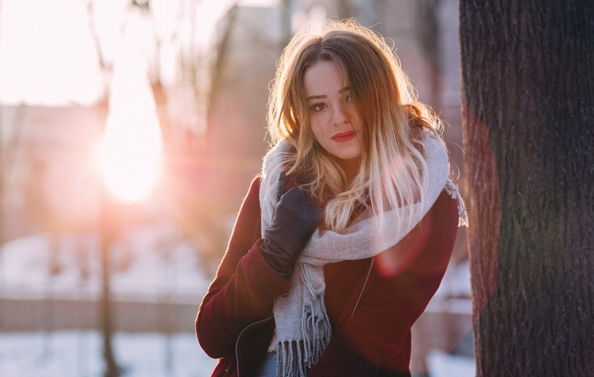 Stižu hladni dani, a mi smo pronašli najtoplije trendi jakne i kapute sa sniženja