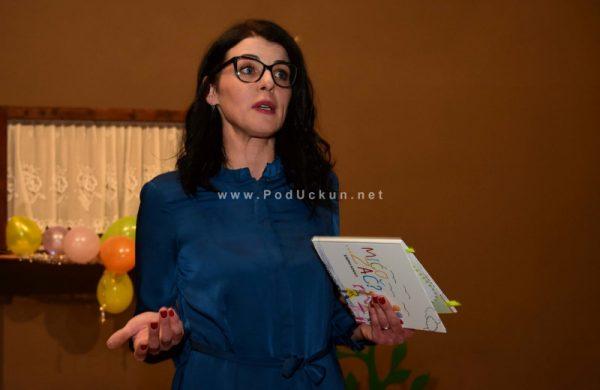 "FOTO/VIDEO Karmen Kinkela predstavila slikovnicu ""Mićo…zač?"" @ Matulji"