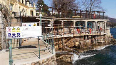 U OKU KAMERE Lovran krenuo u obnovu lungomara – U tijeku radovi na sanaciji šetnice i pješačkih mostova