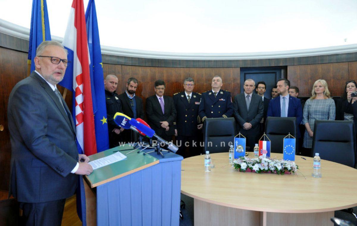 FOTO Ministar Božinović obišao novo sjedište Policijske postaje Opatija: 'Na dobitku su i policija i lokalna zajednica'
