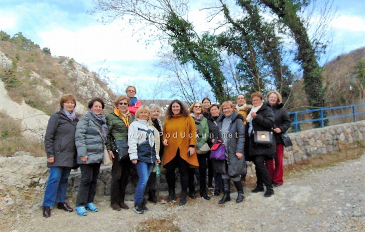 FOTO Lovransko druženje u sklopu projekta 'Upoznaj svoju zemlju' rezultiralo upoznavanjem riječke povijesne baštine