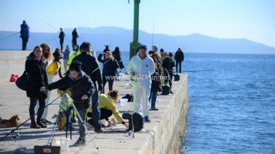 Održana punoljetna Zubijada – Tradicionalno natjecanje u maškaranom ribolovu okupilo brojne sudionike @ Lovran