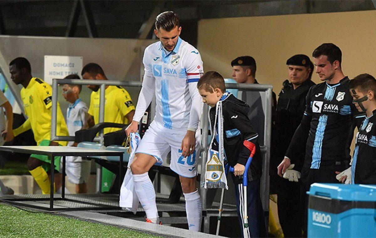 Mauro Barak – Topli pljesak i podrška rujevičkih tribina vjernom navijaču HNK Rijeka