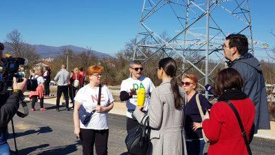 U OKU KAMERE Hod za čisti zrak okupio mještane Viškova i Marčelja: 'Zatvorite Marišćinu, prekinite ekocid nad građanima'