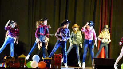 Karnevalski koncert učenika Umjetničke škole Matka Brajše Rašana zaključio bogat lovranski program