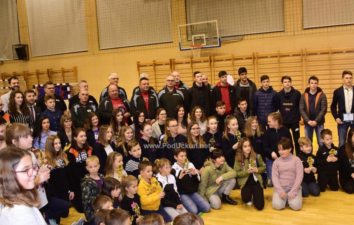 FOTO Patrik Ujčić i Sunčana Smokvina Hanza najbolji sportaši, odbojkašice i konopaši najbolje ekipe @ Matulji