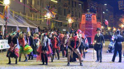 VIDEO/FOTO Eksplozija kreativnosti i duhovitosti na Međunarodnoj karnevalskoj povorci – Deset tisuća maškara osvojilo Korzo