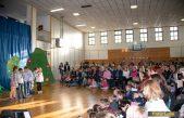 FOTO Školskom priredbom i predstavljanjem rezultata akcije 'Zajedno do pametne ploče' obilježen Dan škole @ Brešca