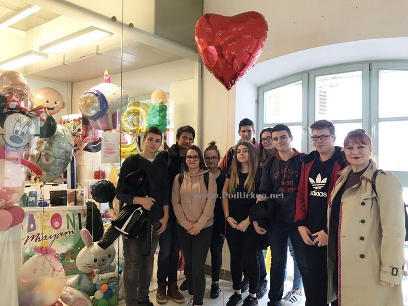 U OKU KAMERE Učenici opatijske gimnazije uručili donaciju Onkološkom odjelu dječje bolnice Kantrida