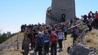 U OKU KAMERE Dvjestotinjak planinara sudjelovalo na drugom pohodu po Opatijskoj planinarskoj obilaznici