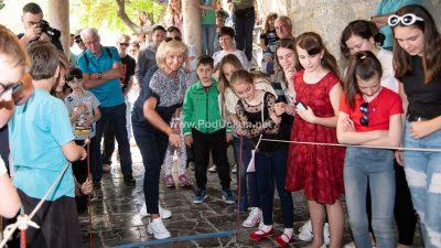 FOTO: Kastavac Dino Lukenda svjetski prvak u picanju jaj – Uskršnja tradicija okupila 111 natjecatelja @ Mošćenice