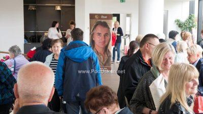 FOTO: Iscjelitelj Braco svoj 'pogled koji liječi' podijelio s brojnim Opatijcima u centru Gervais