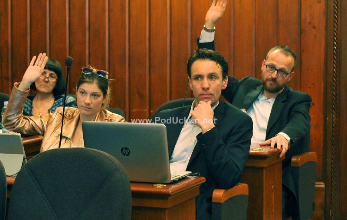 Fernando Kirigin novi je predsjednik Gradskog vijeća, danas je i službeno naslijedio Roberta Kurelića
