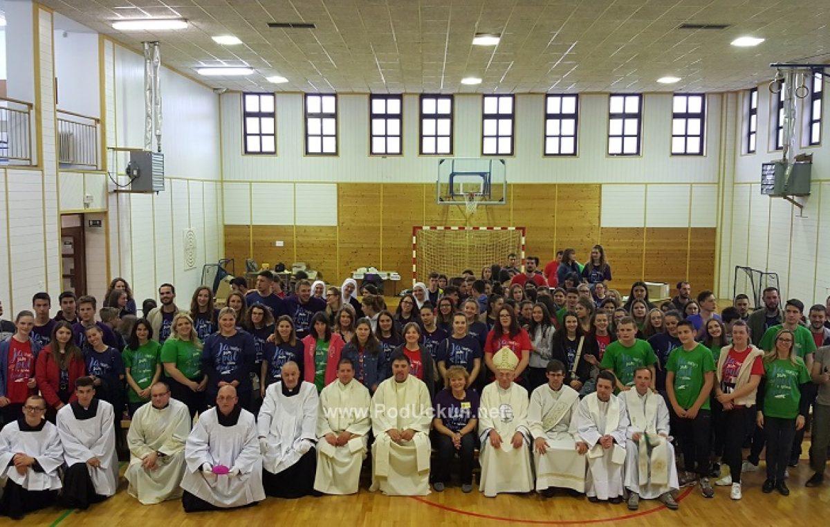 FOTO/VIDEO OŠ Drage Gervaisa ugostila Nadbiskupijski susret mladih @ Brešca