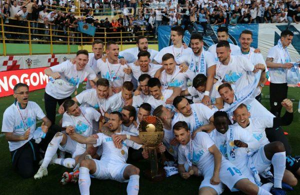 FOTO/VIDEO Rabuzinovo Sunce ide u Rijeku, dođite večeras na doček nogometaša HNK Rijeka na Korzo!