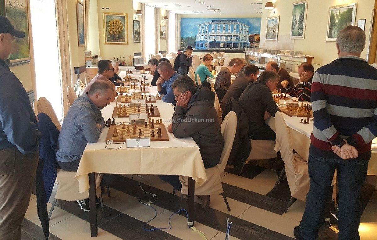 FOTO/VIDEO Riječki velemajstor Ognjen Cvitan pobjednik šahovskog turnira 'Rapid Lovran 2019'