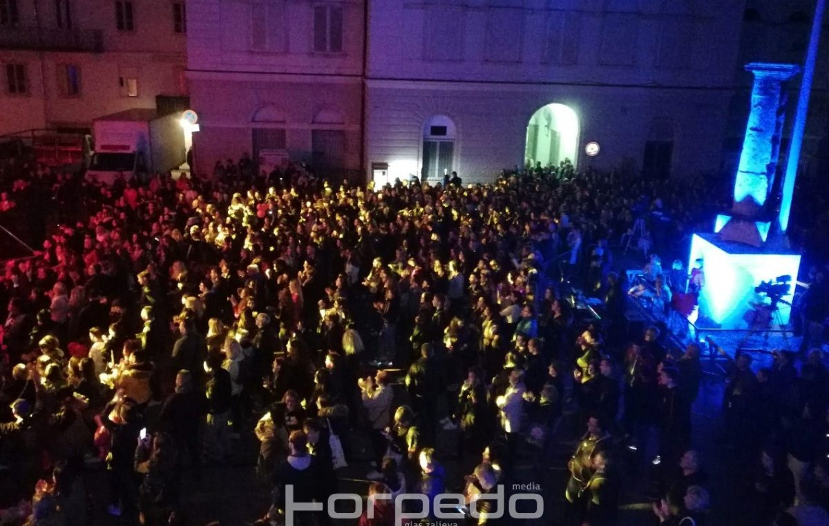 FOTO Velikim koncertnim spektaklom akcija Sve za našu djecu dosegnula vrhunac