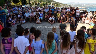 FOTO Dječja pjesma i smijeh odzvanjali lučicom – Održana Mića ribarska fešta @ Ičići