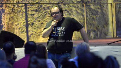 I dalje je smiješno – Druge večeri Festivala smijeha Kastav prepunu Crekvinu oduševili Nesha Bridges i Pedja Bajović