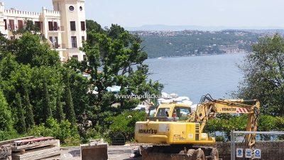 VIDEO Turizam uz prašinu i buku: Usprkos zabrani radova, Opatija je i dalje 'veliko gradilište'