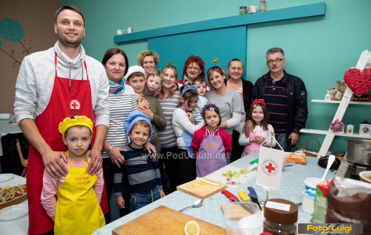 FOTO Održana treća 'Radionica kuhanja' za vrtićku djecu Liburnije i njihove roditelje i noniće