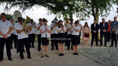 FOTO/VIDEO Partizan zasjao novim sjajem – Otvoren spomen park i igralište kraj slavnog spomenika