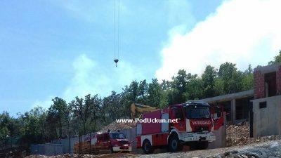 Ugašen požar otvorenog prostora na području Sv. Jelene @ Mošćenička Draga