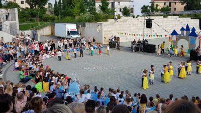 FOTO/VIDEO Lijepom i emotivnom svečanošću školarci se oprostili od Dječjeg vrtića Matulji