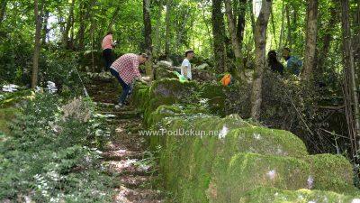 Suhozidna arhitektura grada Veprinca – Vrijedni volonteri uređivali stazu Veprina