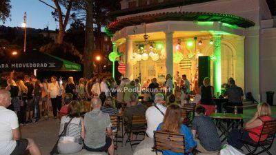 FOTO DJ Alex Ivanov, Klapa Baladur, Vedran Ružić Quartet i Obrazovni program obilježili jučerašnju Retropatijsku večer
