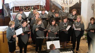 FOTO Svečanim koncertom Župnog zbora sv. Jurja obilježena je deseta godišnjica postojanja i djelovanja zbora Opatijskog dekanata @ Brseč