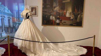 FOTO U Opatiju stiže jedinstvena izložba odjeće carice Elizabete poznate kao carice Sisi