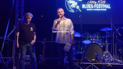 VIDEO Nevrijeme odgodilo jučerašnji koncert, večeras nastavak u Mošćenicama