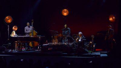 FOTO Prva dama jazz glazbe Diana Krall 'zavela' Ljetnu pozornicu moćnim vokalom i izvrsnim nastupom