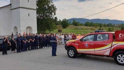 """FOTO Održana svečana primopredaja vatrogasnog vozila Nissan Navara DVD-u """"Kras"""" Šapjane"""