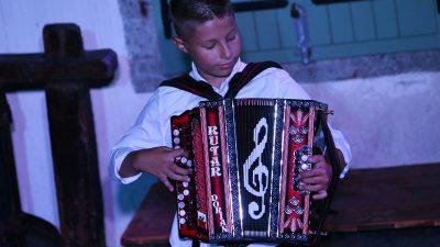 VIDEO Kastavac mjeseca rujna je 'čudo od djeteta' i majstor harmonike Dorian Rubeša