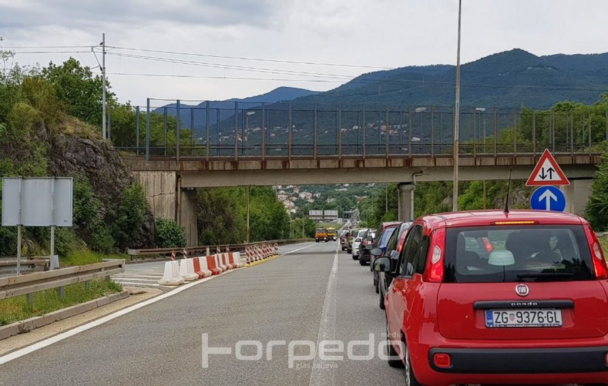 U OKU KAMERE: Kolona za izlaz Matulji mjerila se u kilometrima – Vikend stvorio gužve na prometnicama