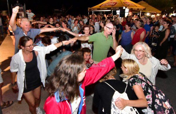 FOTO/VIDEO Ples do kasno u noć – Grooversi i Goran Karan 'zapalili' Mošćeničku Dragu