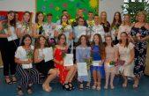 FOTO Svečanost u OŠ Brešca – S osnovnom školom oprostilo se dvadeset učenika osmog razreda