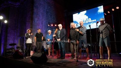 FOTO/VIDEO Glazbeno–scenska predstava Oštija nasmijala rasprodanu kastavsku Crekvinu