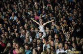Petar Grašo ispunio Ljetnu pozornicu dobrom atmosferom, popularnim melodijama i ljubavnim stihovima